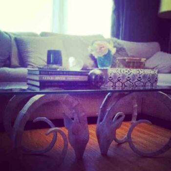 Such a great coffee table base. By @highstyling