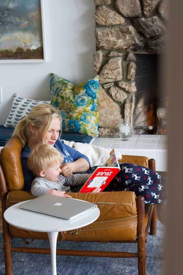 02_emily_henderson_charlie_reading_day_in_the_life_living_room (2 of 2)