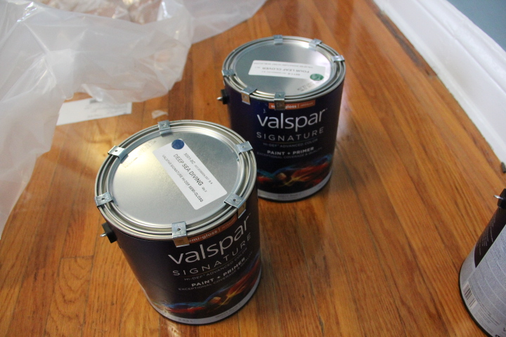 valspar paint clover green