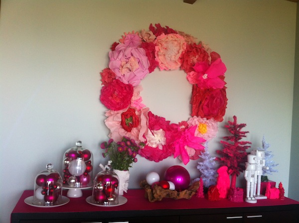 pink-christmas-buffet