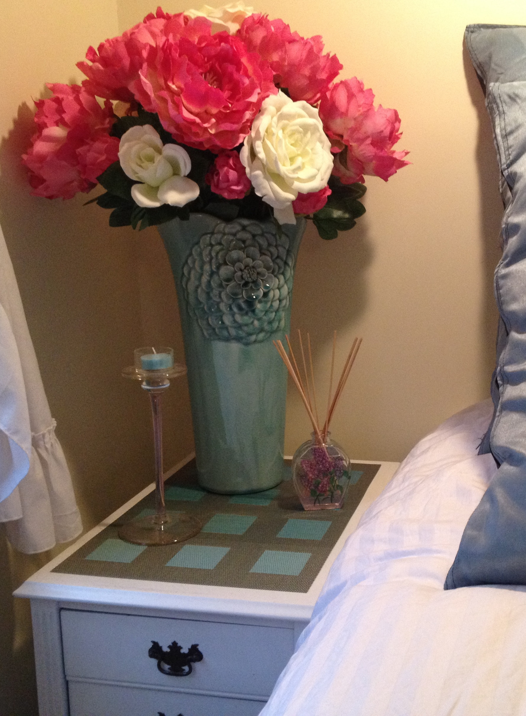 bad nightstand styling