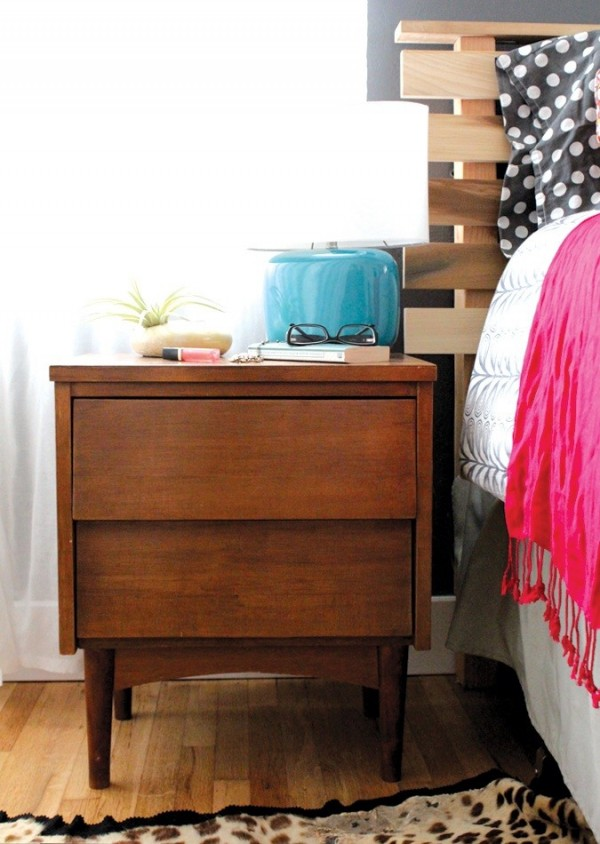 blue-lamp-nightstand