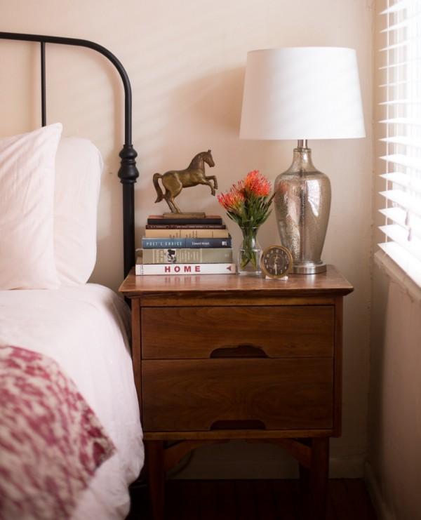 alexis-finc-nightstand