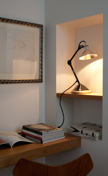 cast-iron-black-table-lamp