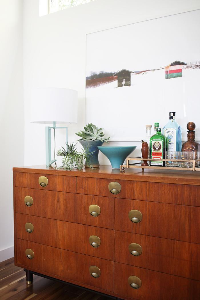 bright-dining-room-4
