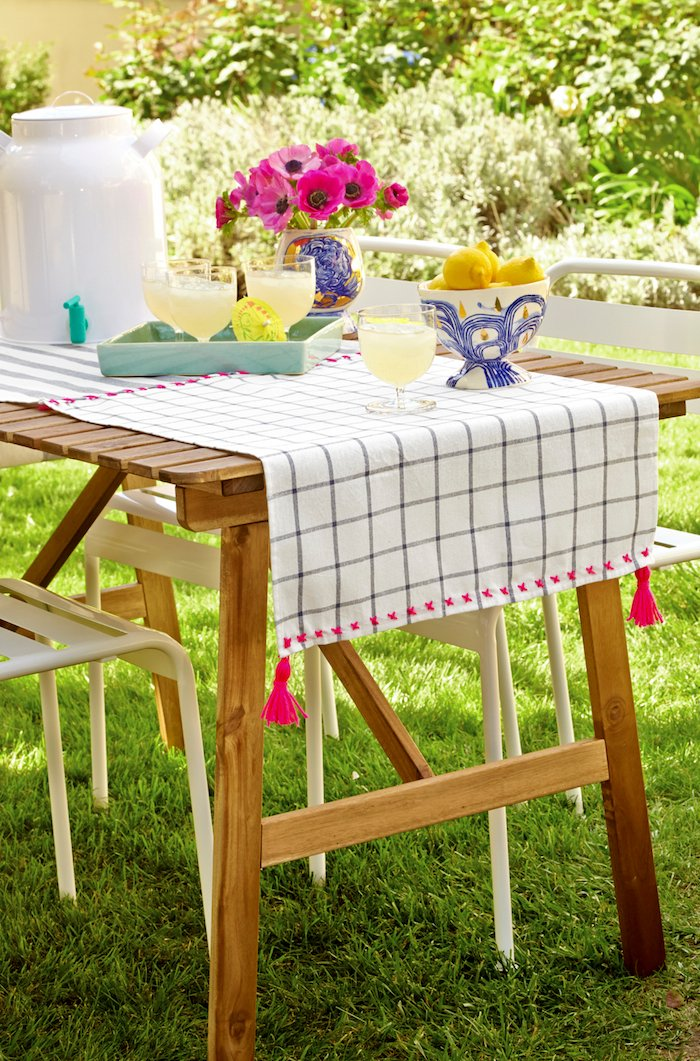diy tassel tablecloth