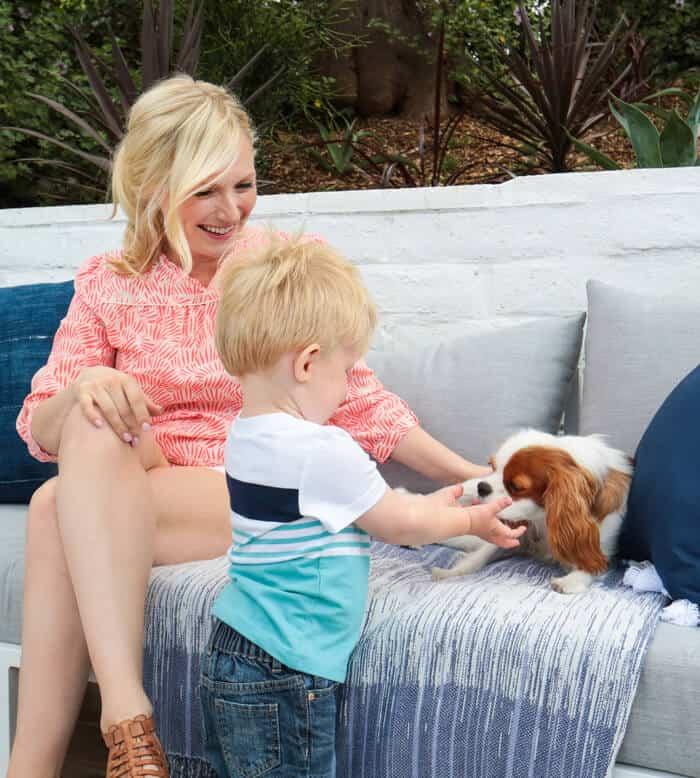 Emily_Henderon_Puppy_Deck