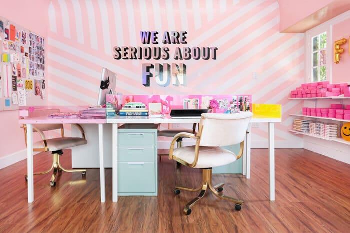 Emily_Henderson_Refinery_29_Candy_Stripe_Walls