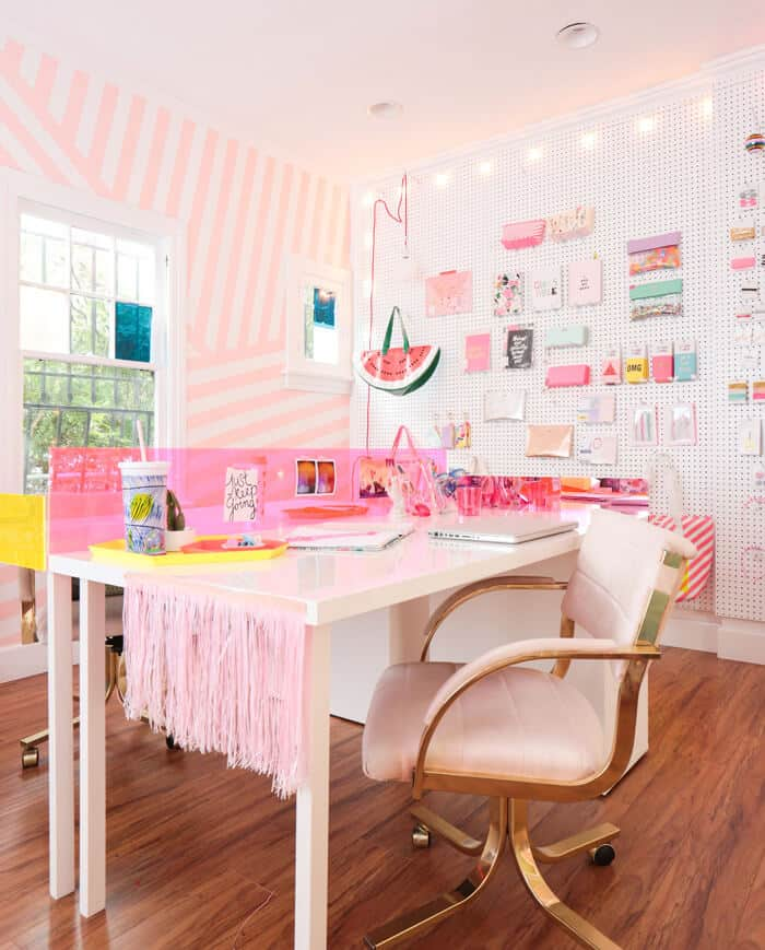 Emily_Henderson_Refinery_29_Party_House_Main_Room