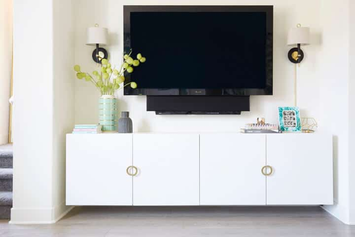 How_to_Style_a_TV_Emily_Henderson