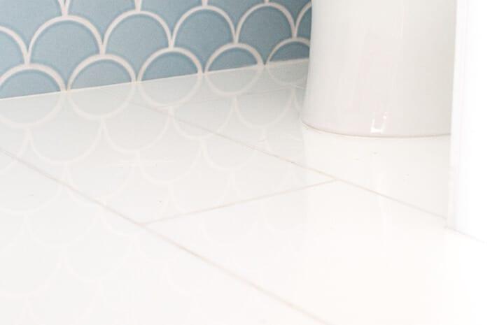 Emily_Henderson_Master_Bathroom_Floor_Grout