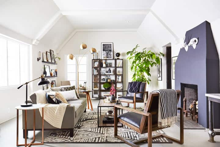 neutral_black_and_white_fall_living_room