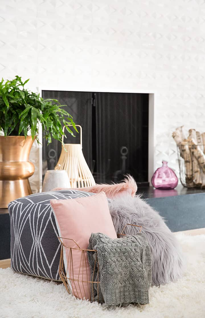 Living_Room_Pink_Grey_Throw_Pillows