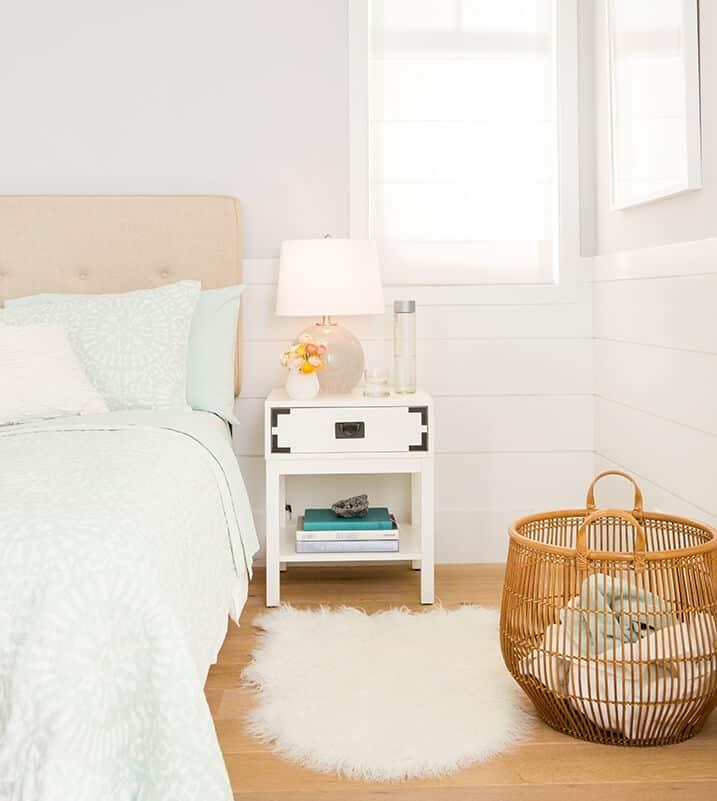 Soft_Pastel_Feminine_Bedroom_Target