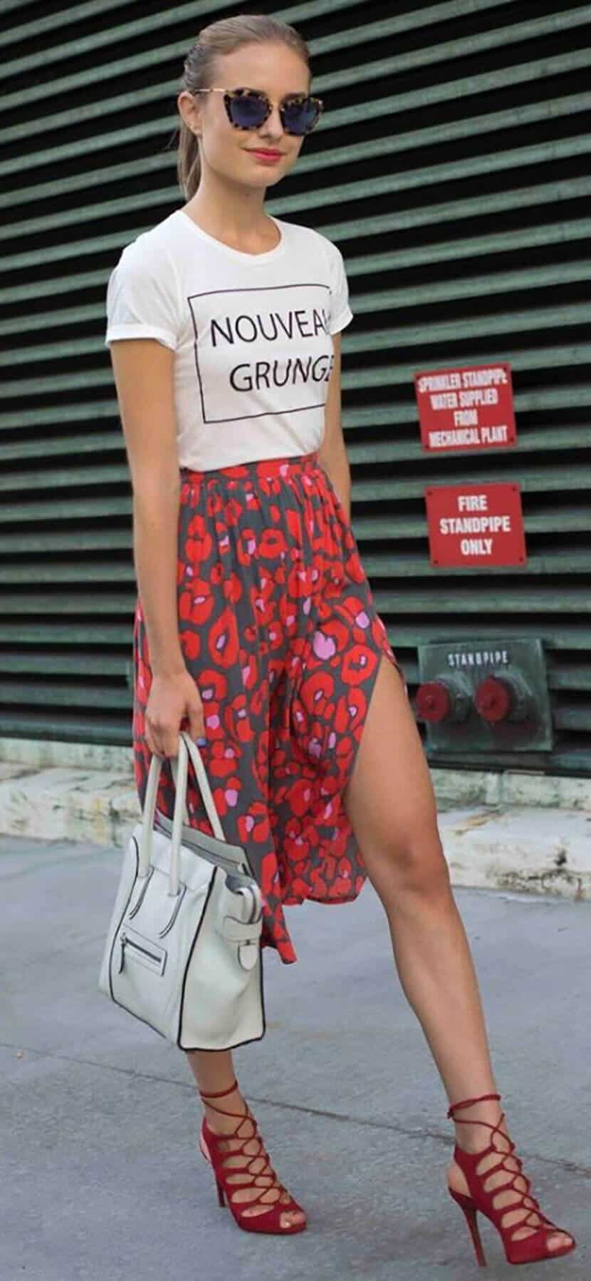 Nouveau Grunge Red Fashion