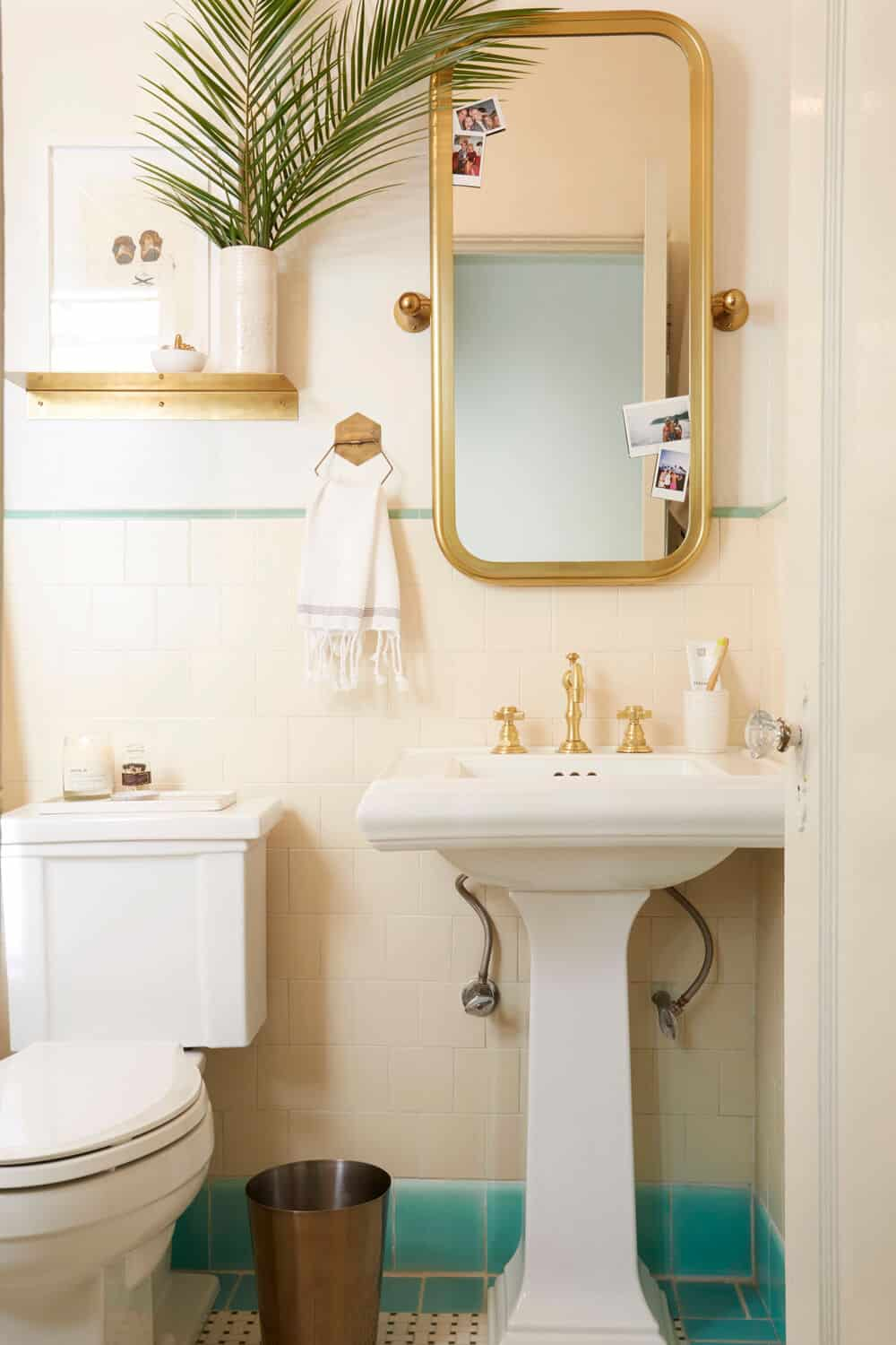 Brady Gives A Refresh To His Vintage Bathroom Emily Henderson Bloglovin