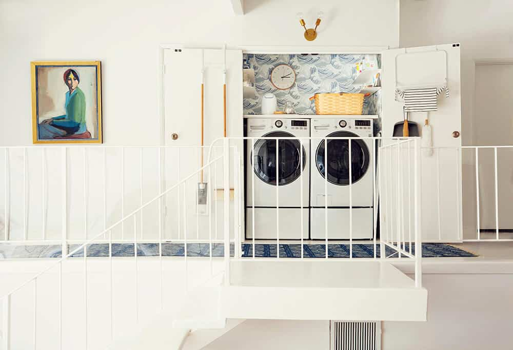 Laundry Room_Emily Henderson_Big Wave Wallpaper_Blue_LG_1