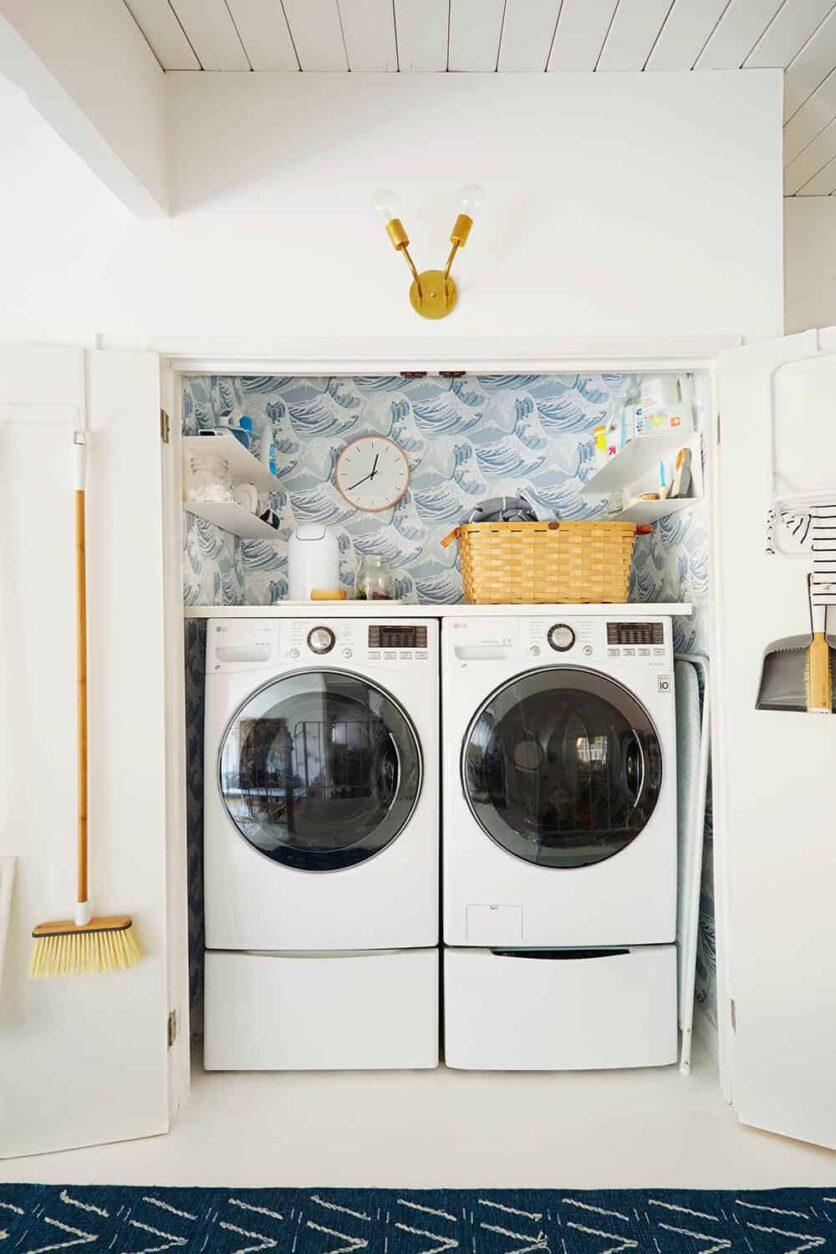 Laundry Room_Emily Henderson_Big Wave Wallpaper_Blue_LG_5