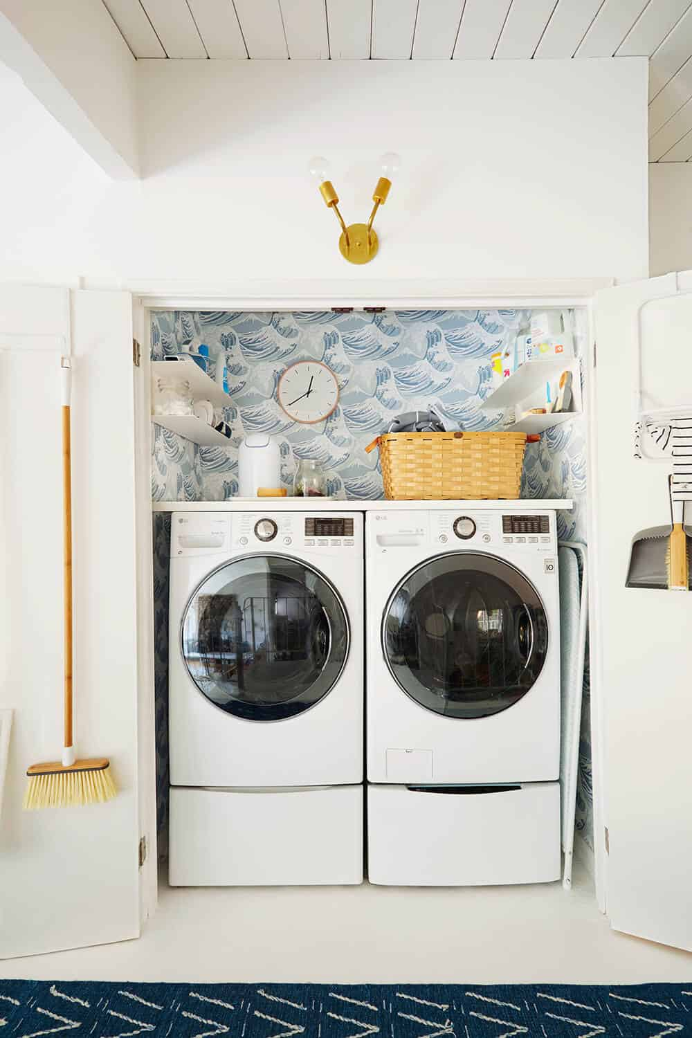 Laundry Room_Emily Henderson_Big Wave Wallpaper_Blue_LG_5