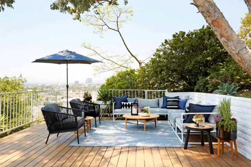 Emily Henderson Oberlin Patio Wood Naturally Deck Stain 3
