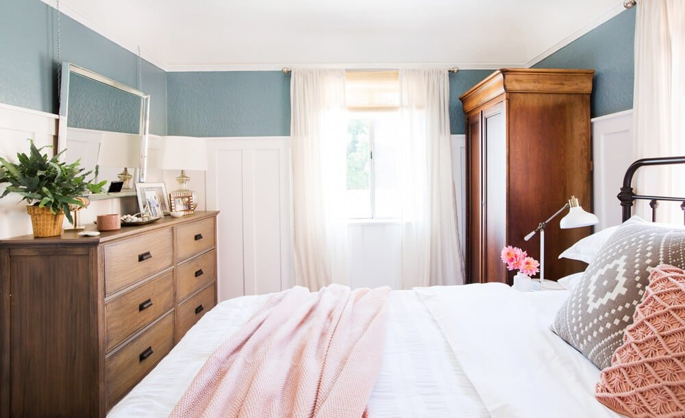 12 Bold Blue And Green Paint Colors We Ve Tested Approved So You Don T Have To Emily Henderson