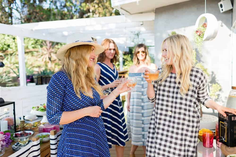 Summer Party_Outdoor Entertaining_Emily Henderson_Blackbox Wines_Flowers_Casual_Pink_Orange_Modern_Organic_Boho_Black_Grey_Blue_25