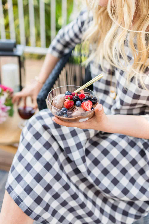Summer Party_Outdoor Entertaining_Emily Henderson_Blackbox Wines_Flowers_Casual_Pink_Orange_Modern_Organic_Boho_Black_Grey_Blue_7