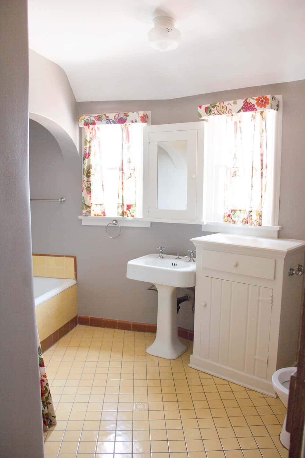 Emily Henderson_New House_Introduction_Blank Space_Before_Upstairs Bathroom_4