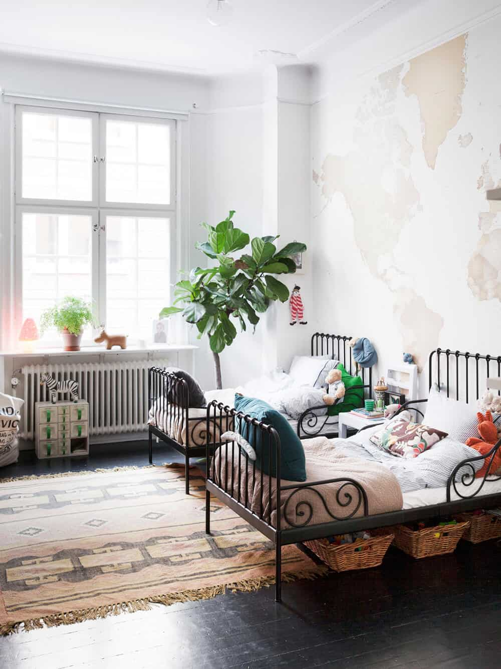 Emily Henderson_Traditional_Kids Bedroom_Twin Beds_Sharing