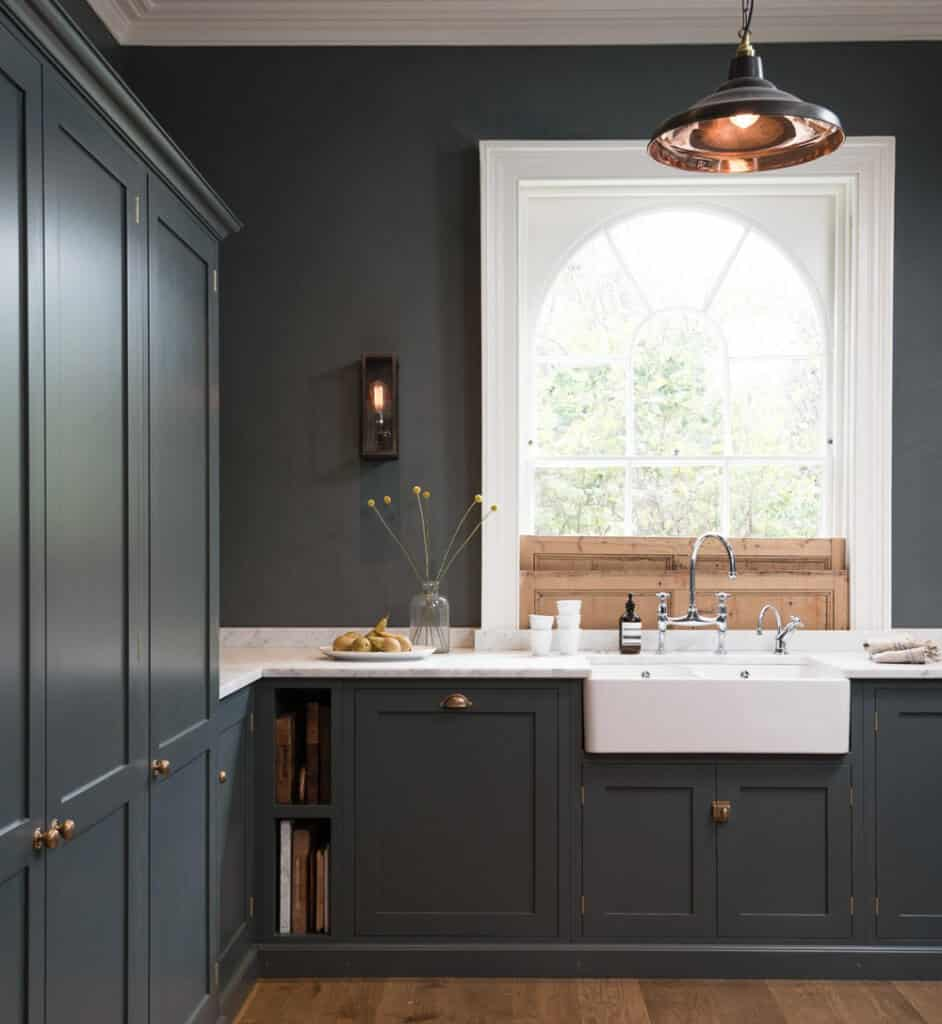 devol-kitchens__english-shaker_traditional-design_kitchen_simple_tudor_country_designer-spotlight_emily-henderson_inspiration_10