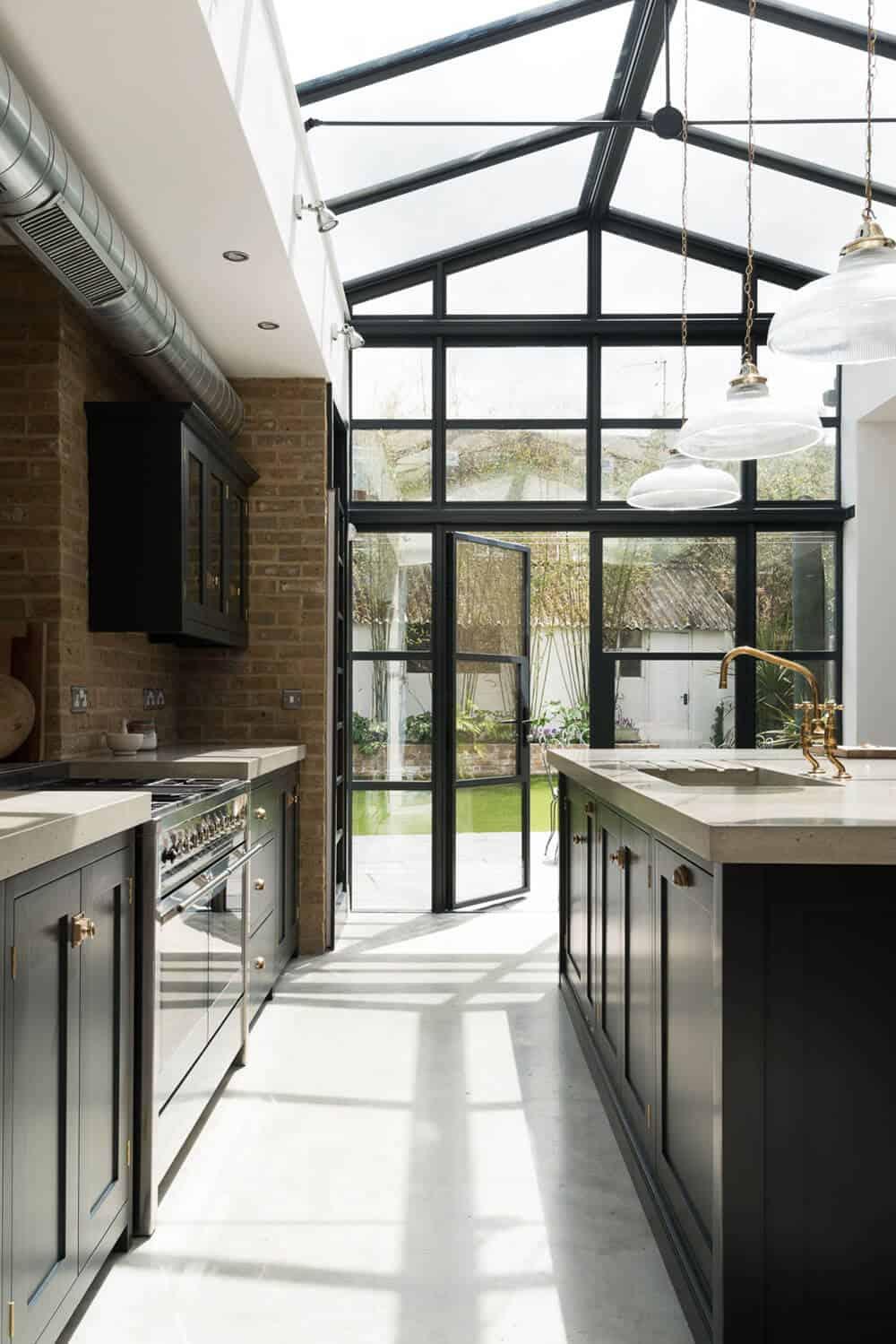 devol-kitchens__english-shaker_traditional-design_kitchen_simple_tudor_country_designer-spotlight_emily-henderson_inspiration_17