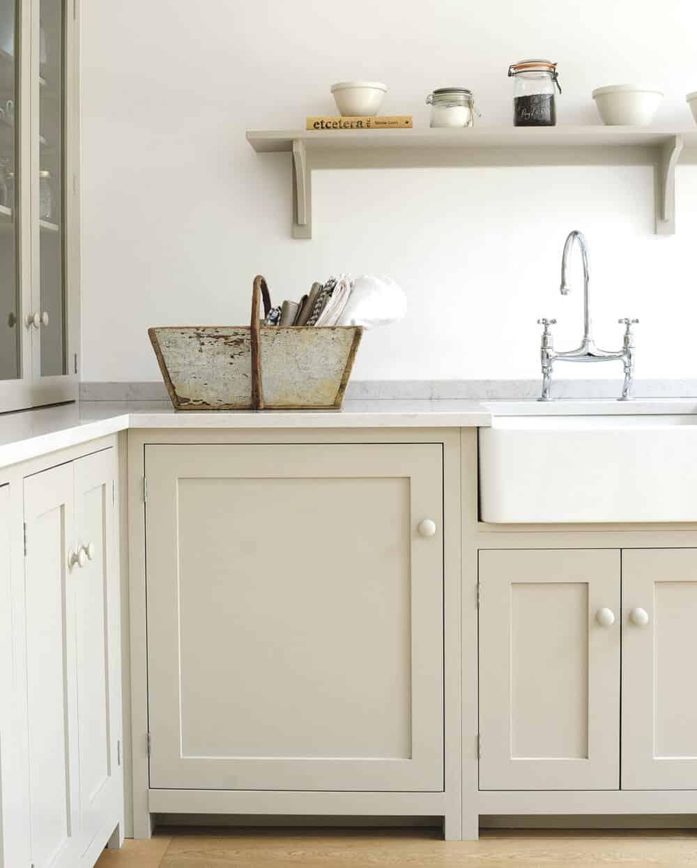 devol-kitchens__english-shaker_traditional-design_kitchen_simple_tudor_country_designer-spotlight_emily-henderson_inspiration_6