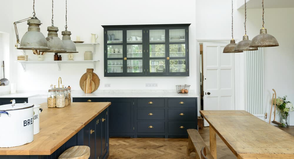 devol-kitchens__english-shaker_traditional-design_kitchen_simple_tudor_country_designer-spotlight_emily-henderson_inspiration_9