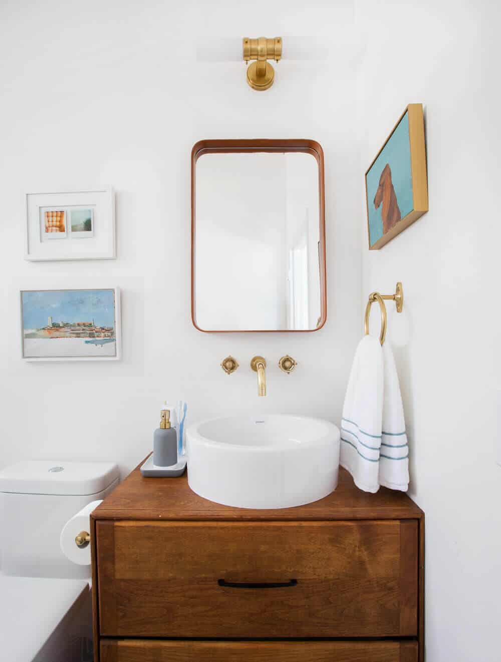 8 bathroom accessory combos to rescue your drab bathroom for Redesign your bathroom