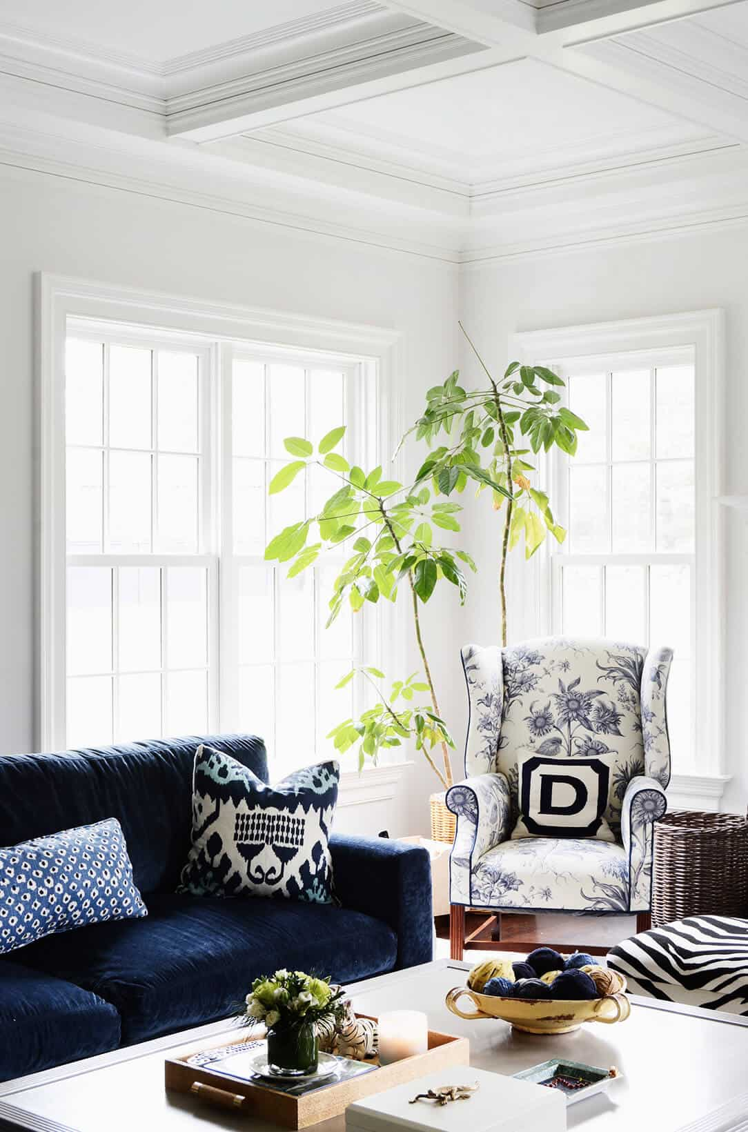 emily-henderson_window-frames-painted_woodwork_living-room_inspiration_traditional_cottage_tudor_2