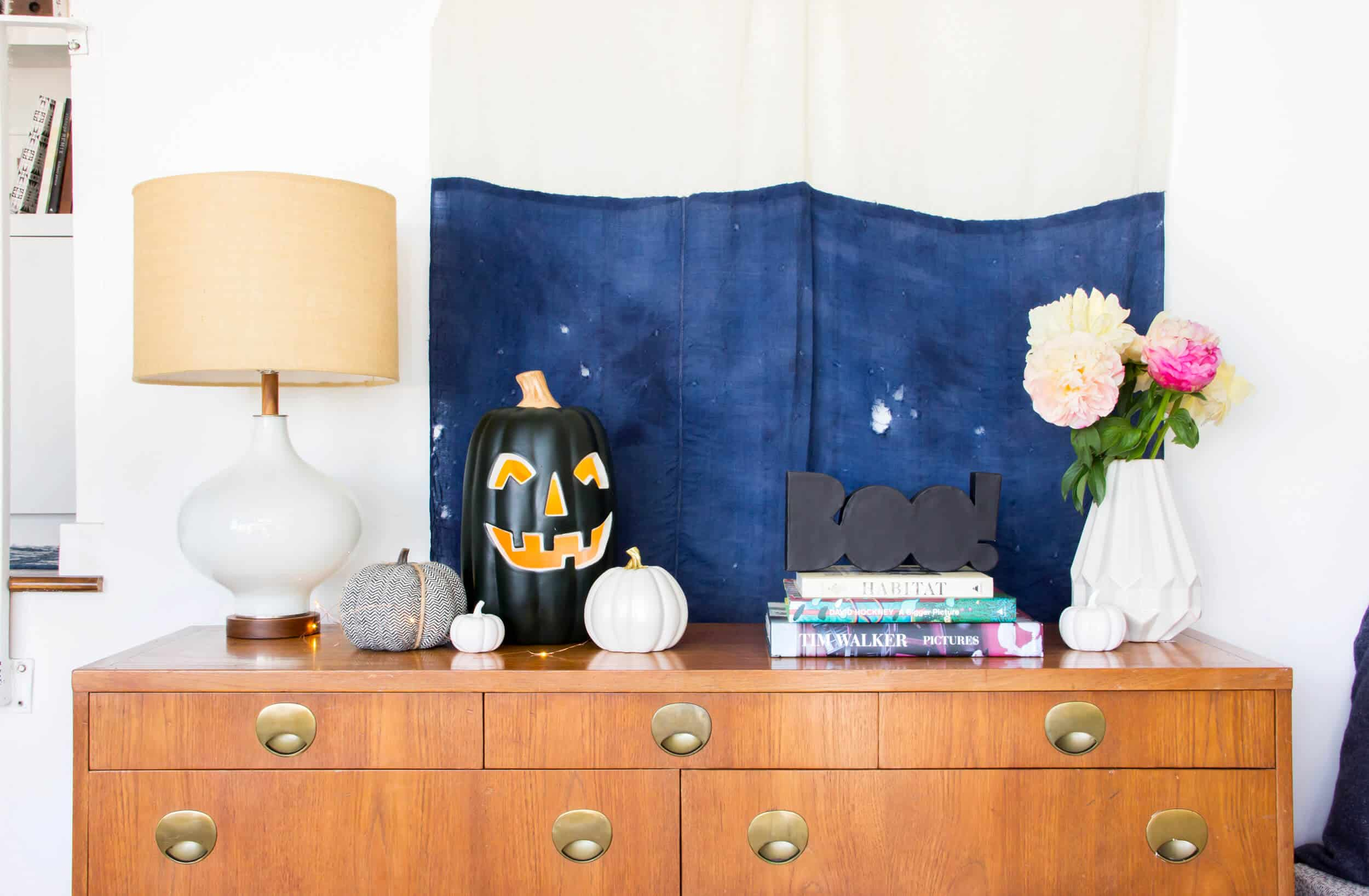 emily-henderson_fall-decorating_halloween_target_living-room_autumn_pumpkin_spider-web_decor_easy_affordable_2
