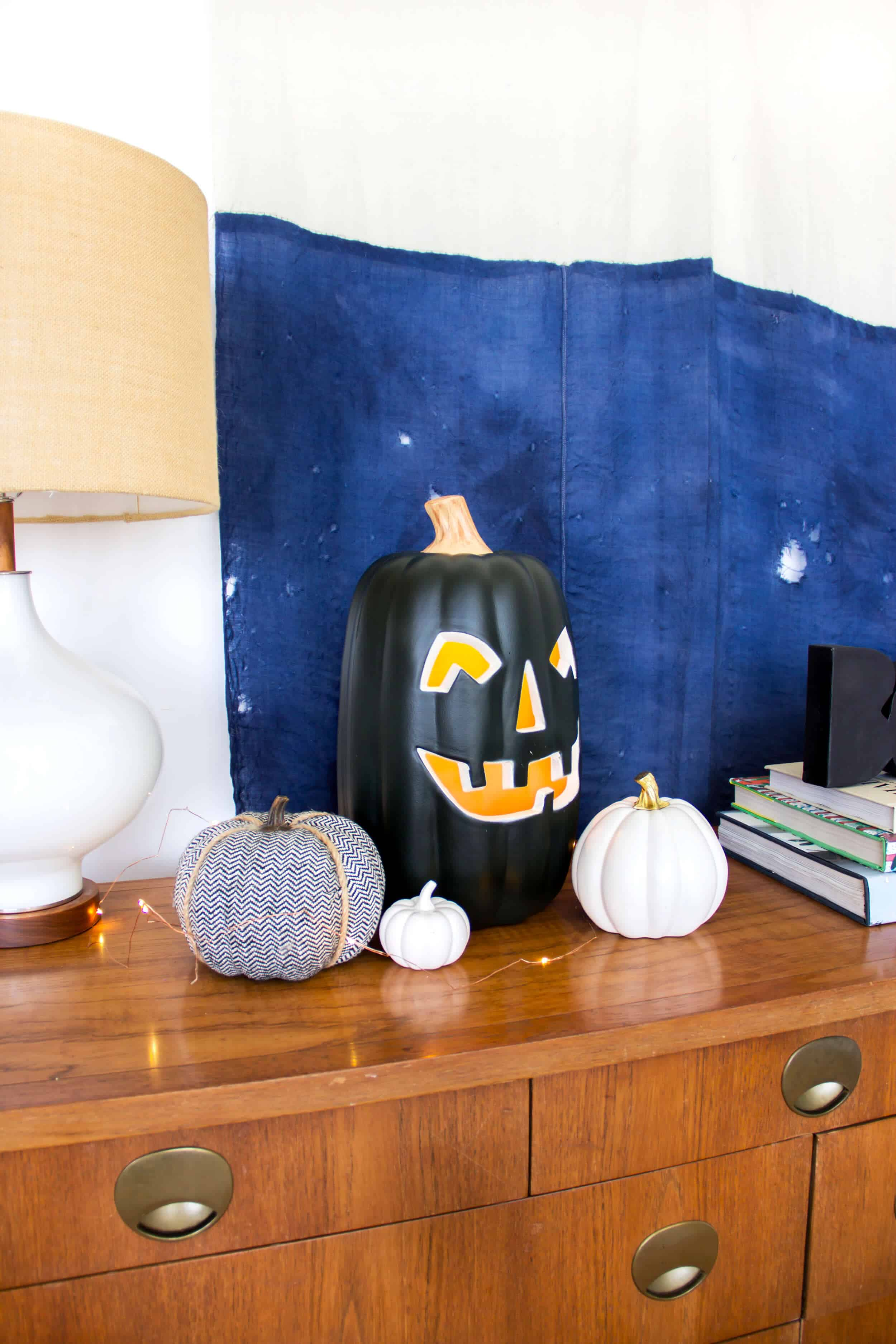 emily-henderson_fall-decorating_halloween_target_living-room_autumn_pumpkin_spider-web_decor_easy_affordable_3