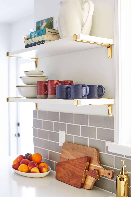 emily-_henderson_ginny_macdonald_open_shelves