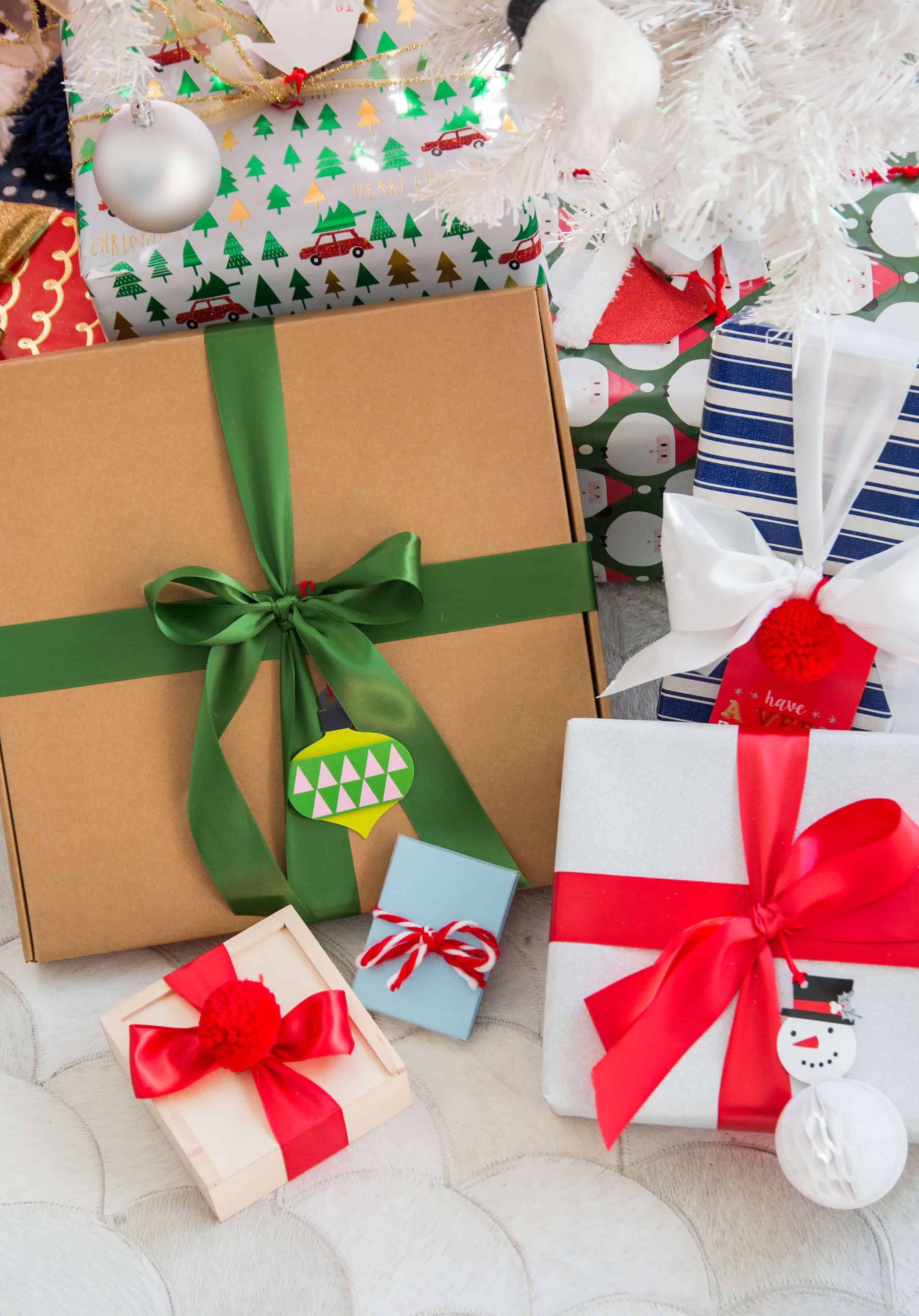 emily-henderson_mpix_custom-gifts_digital-book_printing_gifts_christmas_holiday_18