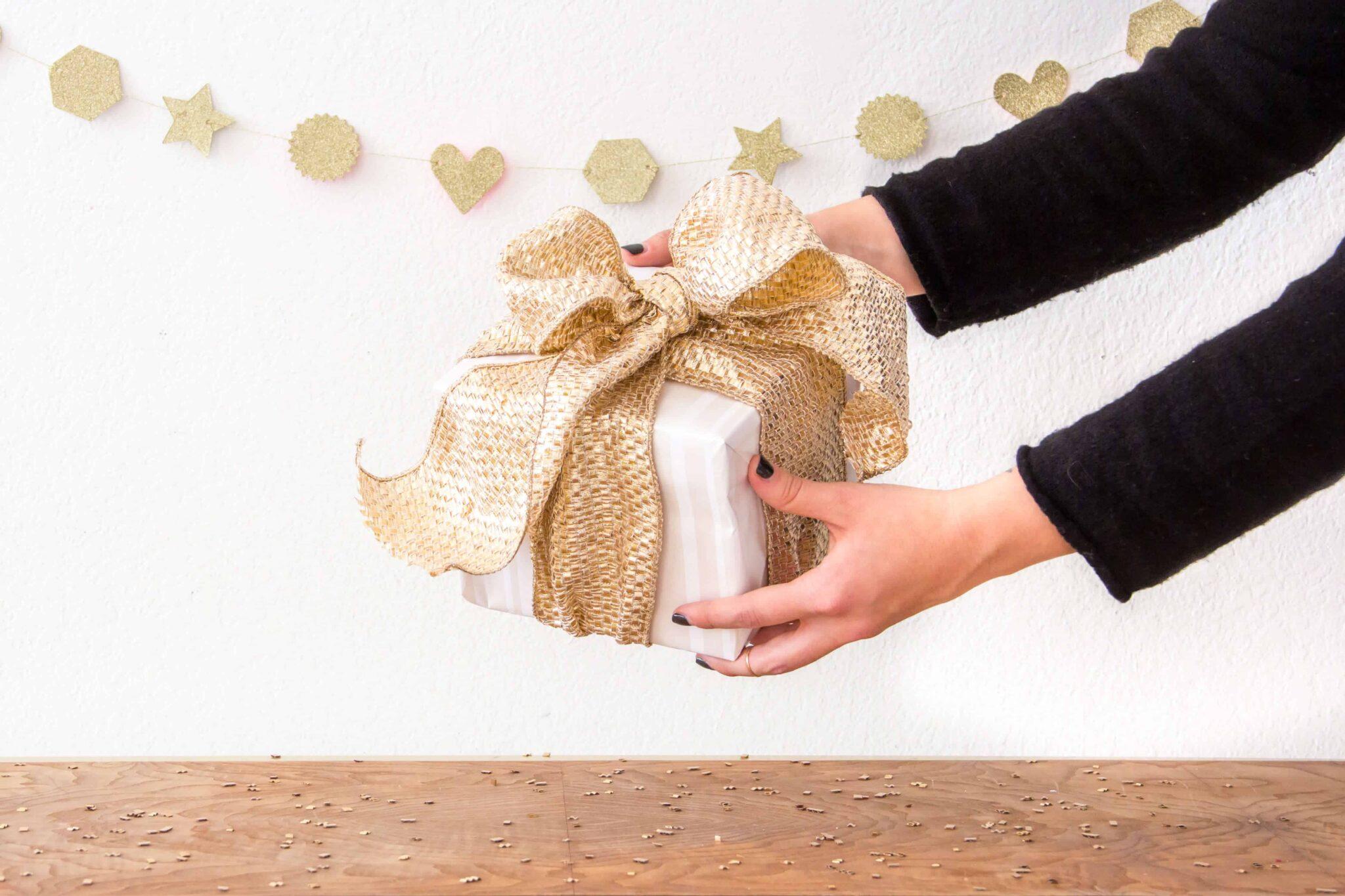 flea-gift-wrap-760