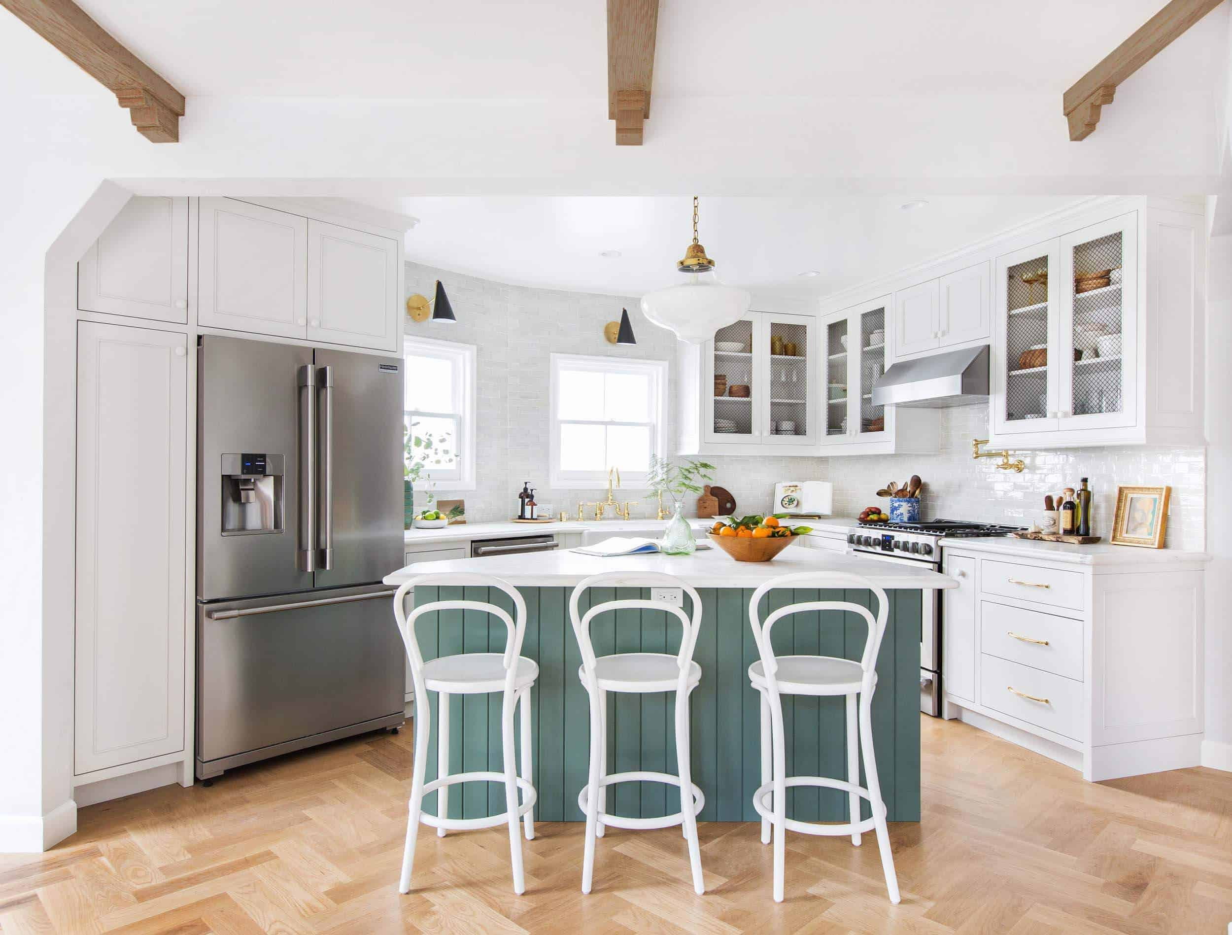 emily-henderson_frigidaire_kitchen-reveal_waverly_english-modern_edited-beams_12