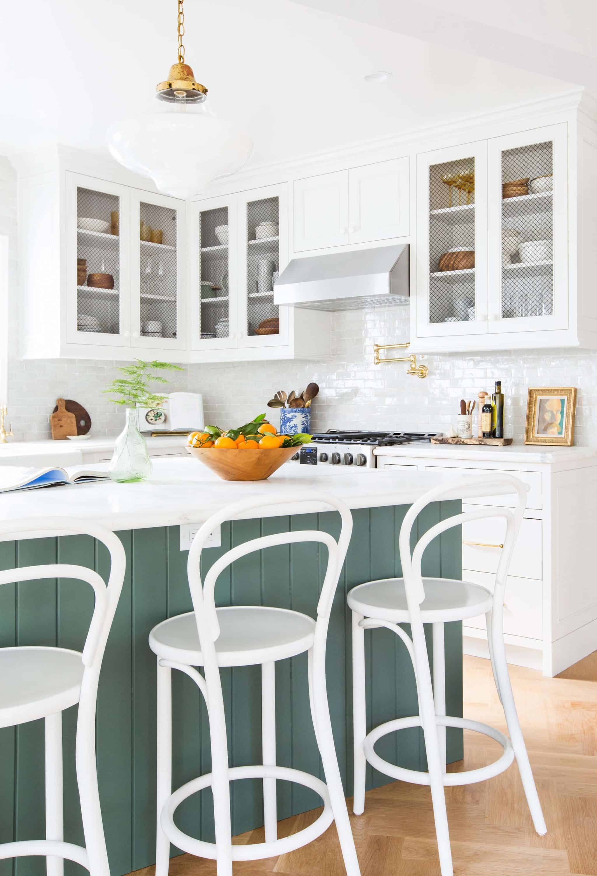 emily-henderson_frigidaire_kitchen-reveal_waverly_english-modern_edited-beams_15