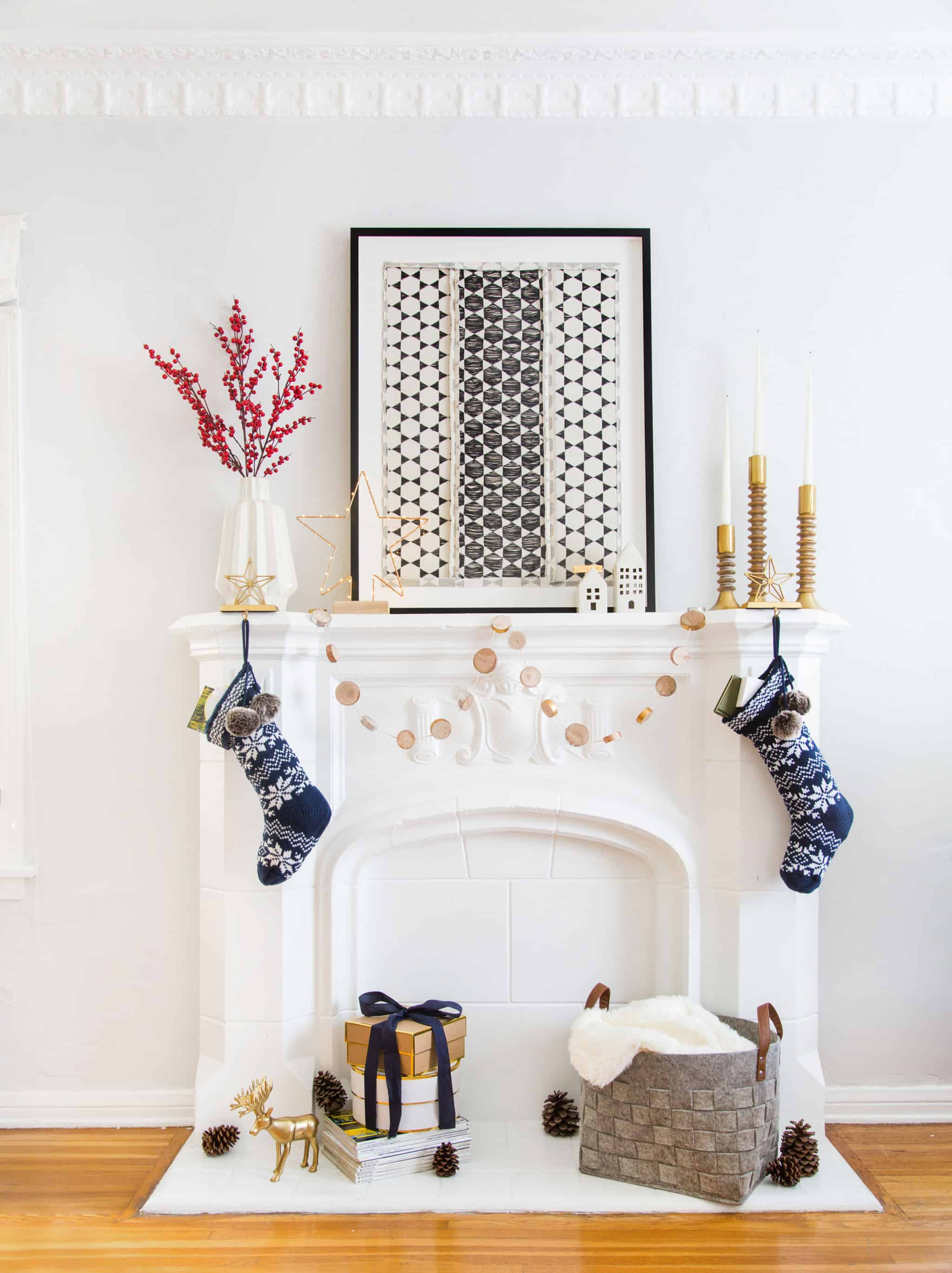 emily-henderson_holiday-decorating_ginny_living-room_dining-room_christmas_white-neutral_cozy-cottage_10