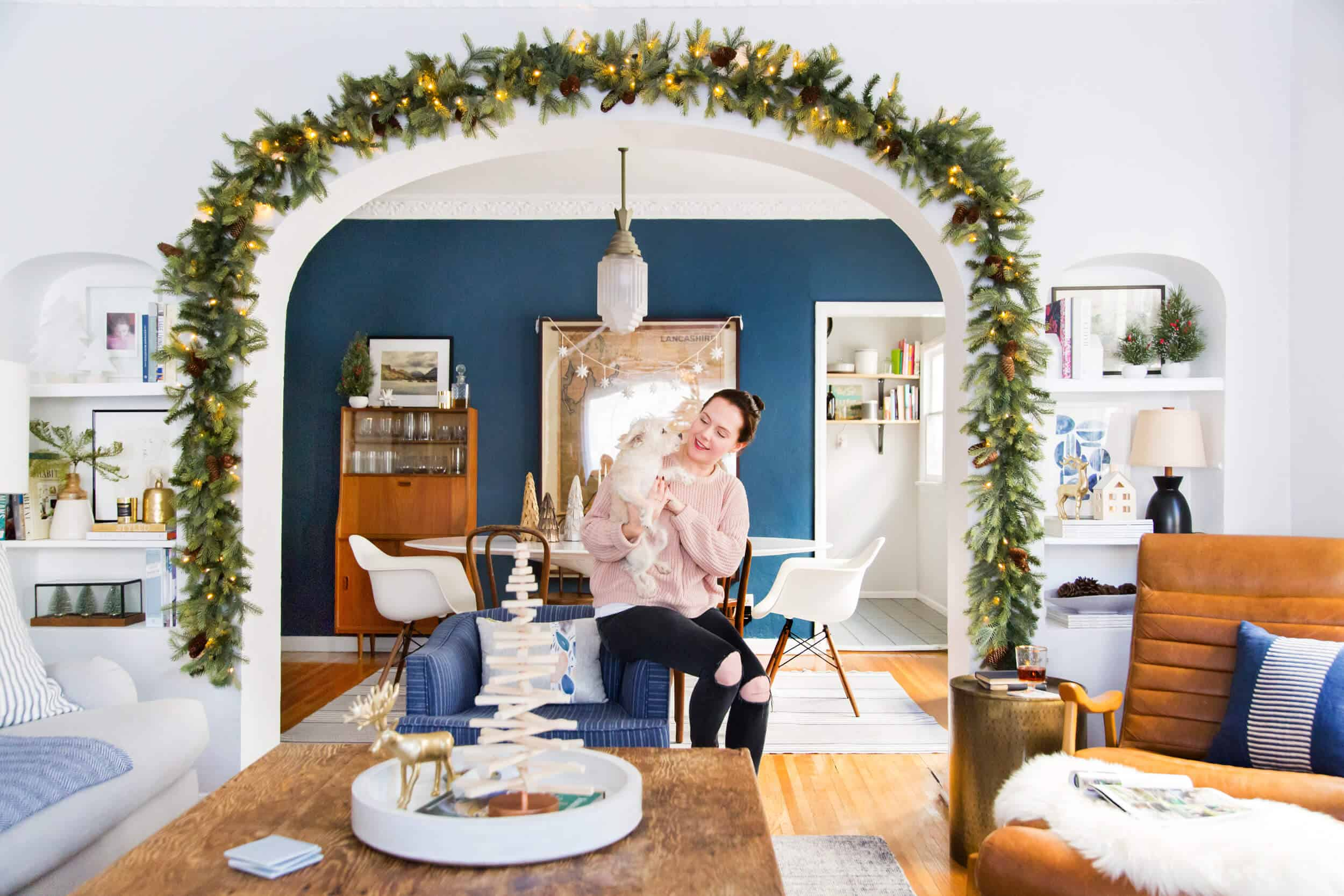 emily-henderson_holiday-decorating_ginny_living-room_dining-room_christmas_white-neutral_cozy-cottage_13
