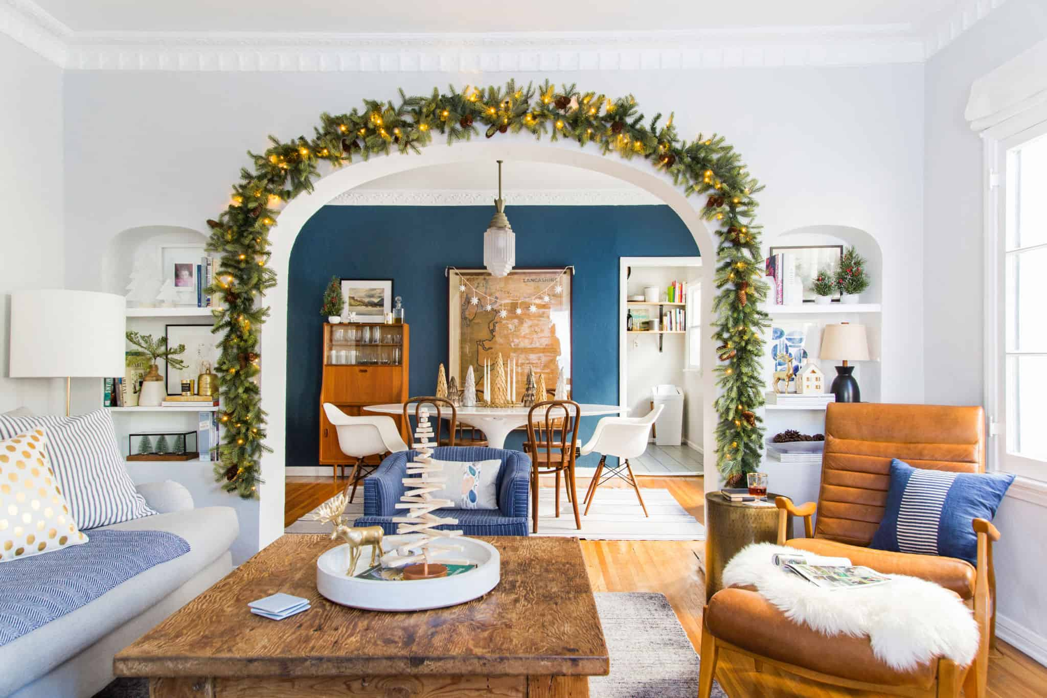 emily-henderson_holiday-decorating_ginny_living-room_dining-room_christmas_white-neutral_cozy-cottage_14