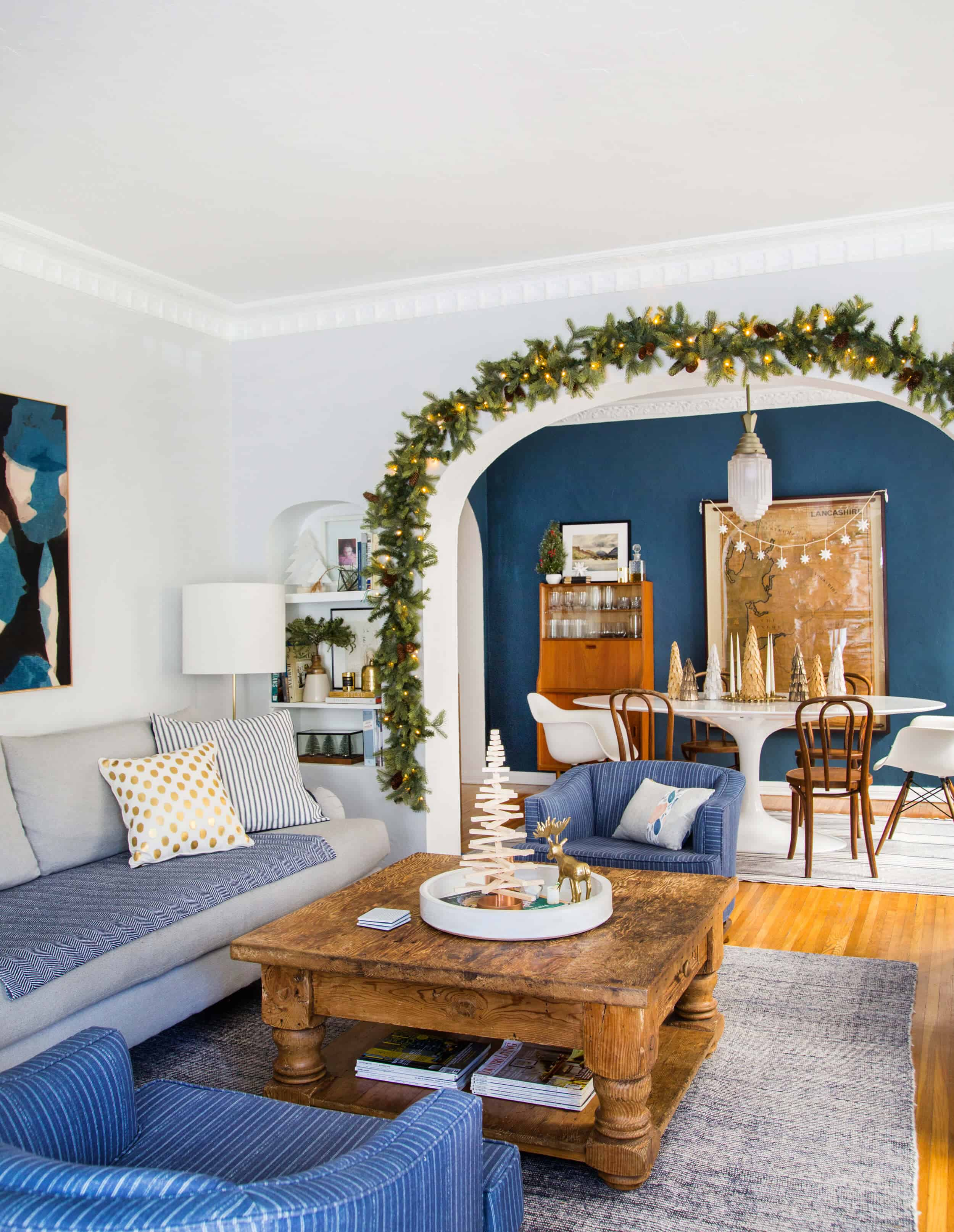 emily-henderson_holiday-decorating_ginny_living-room_dining-room_christmas_white-neutral_cozy-cottage_5