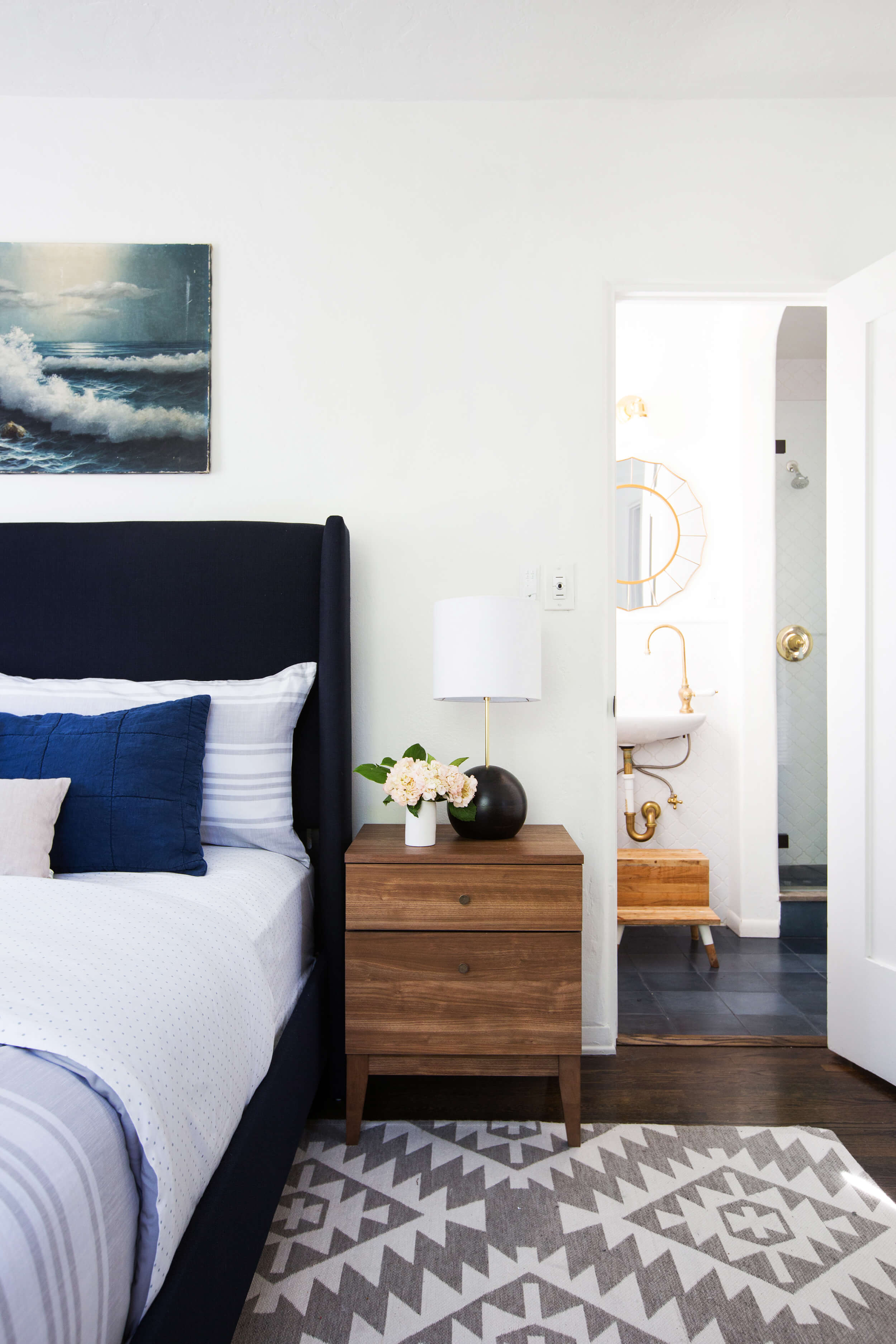 emily-henderson_power-couples_beds-and-nightstands_roundup_combos_styled-photos2