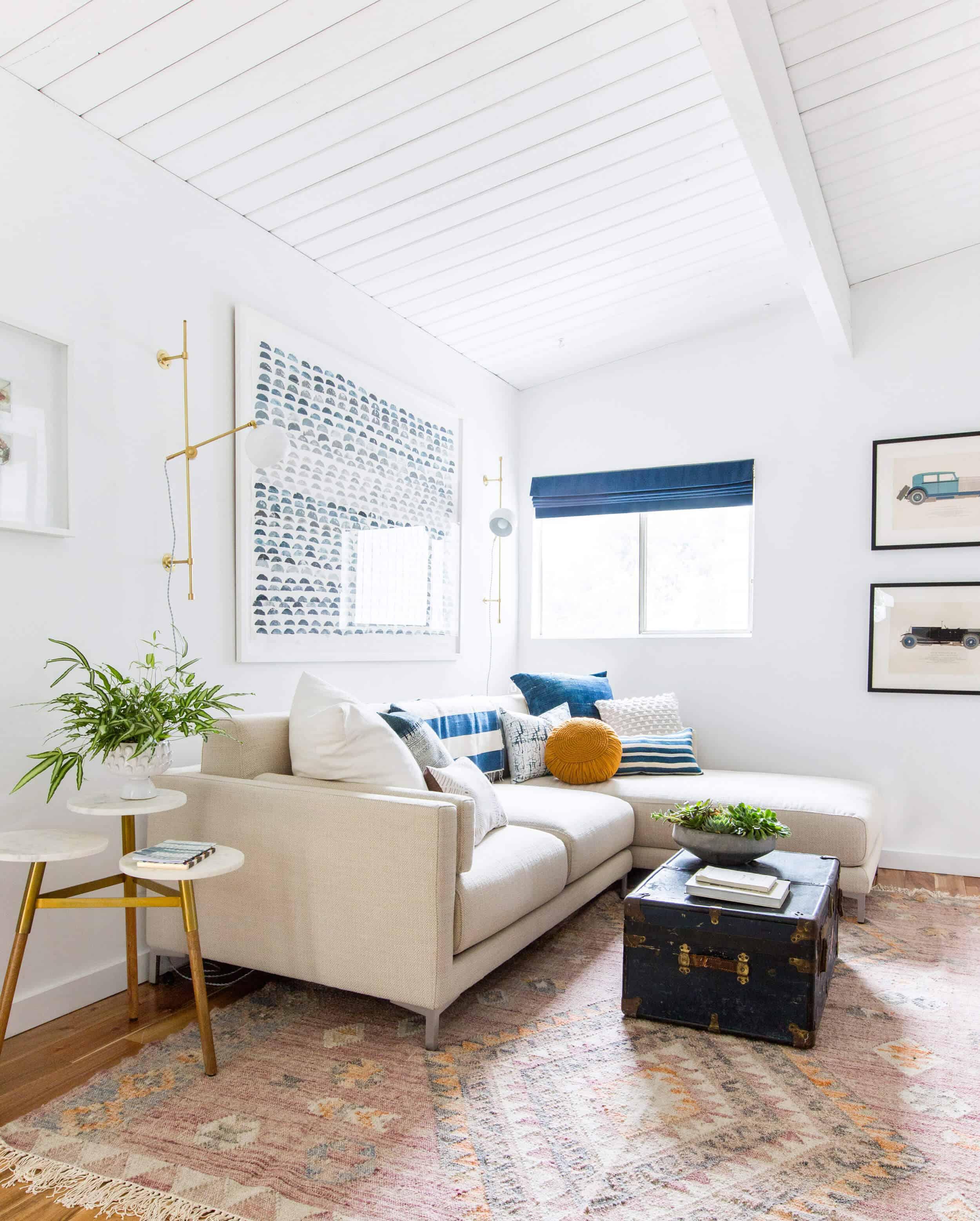 Emily Henderson_Kitchen_Family Room_Staged_Blue_White_Clean Fresh_Emily Henderson_4