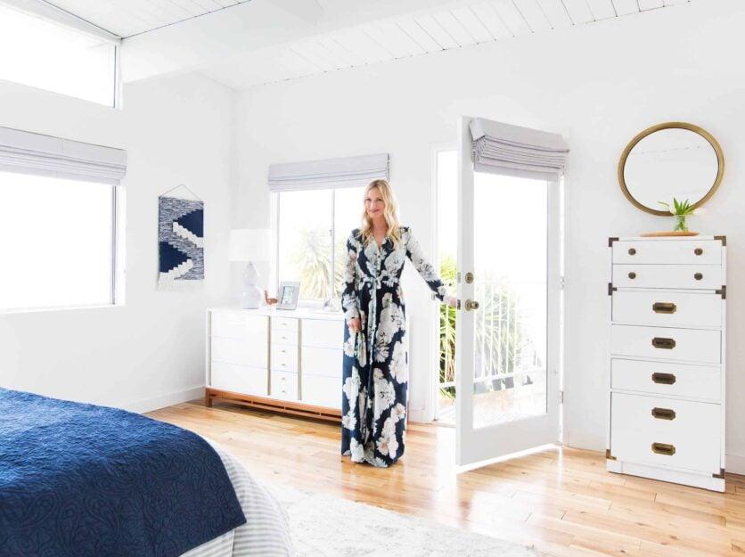emily-henderson_master-bedroom_target_bedding_layered_light_texture_blue_white_brass_masculine_soft_12