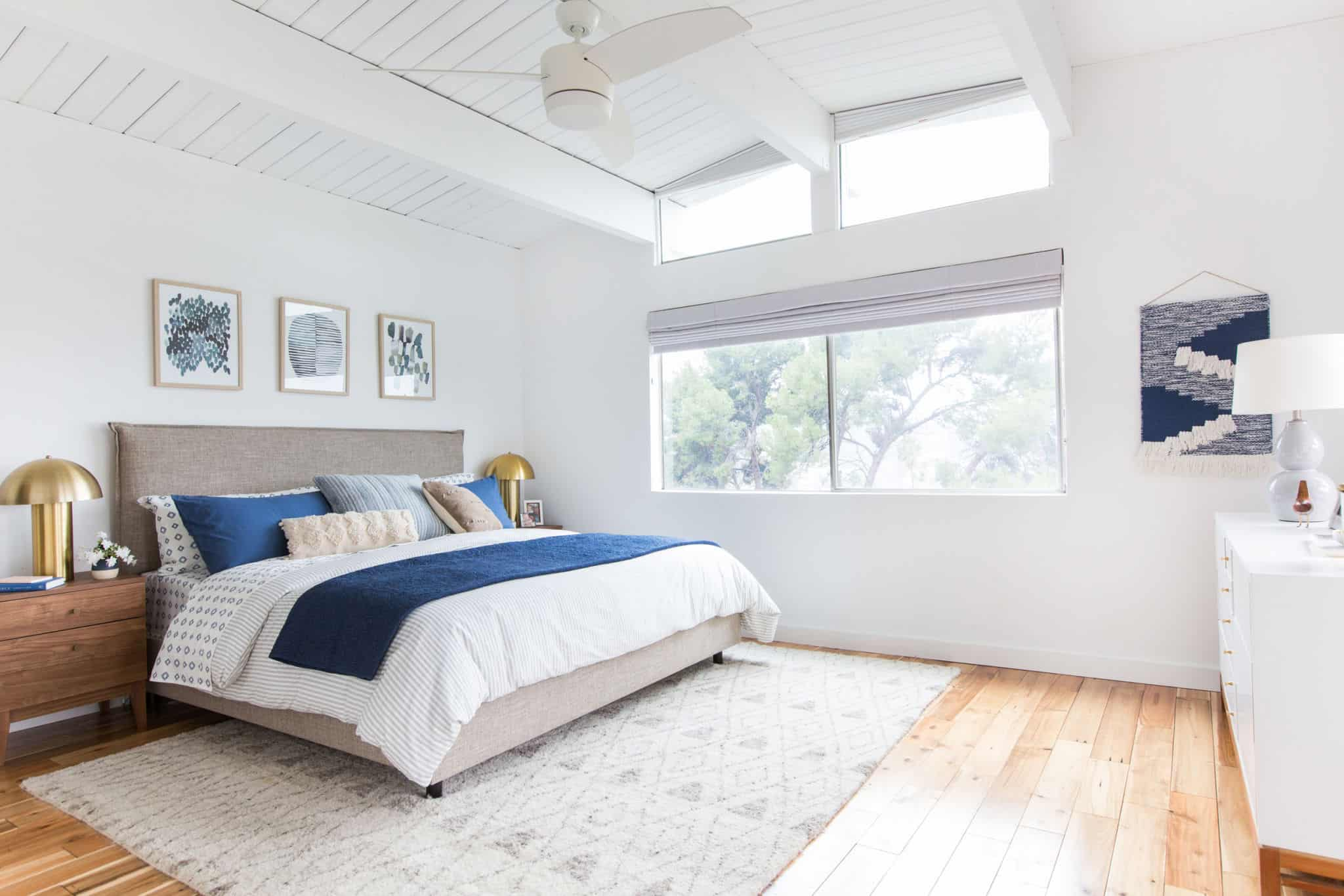 emily-henderson_master-bedroom_target_bedding_layered_light_texture_blue_white_brass_masculine_soft_14